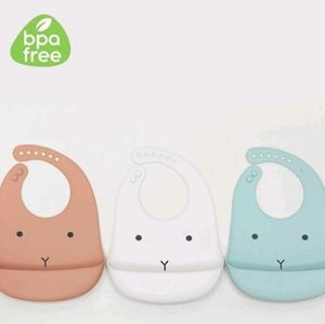 Pack of 3 silicone bibs